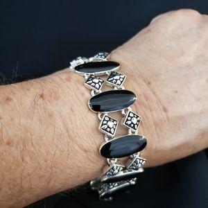 Silvertone Bracelet w/ Black oval settings